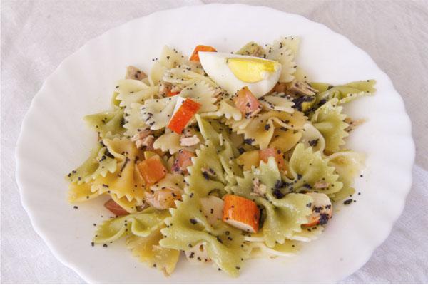 Receta de ensalada de pasta fría con salmón