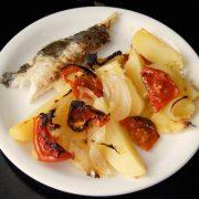 Receta de asado de dorada al horno con patatas