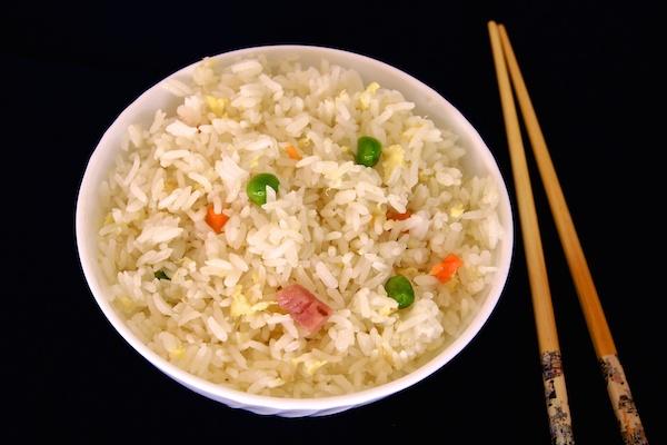 Arroz tres delicias chino