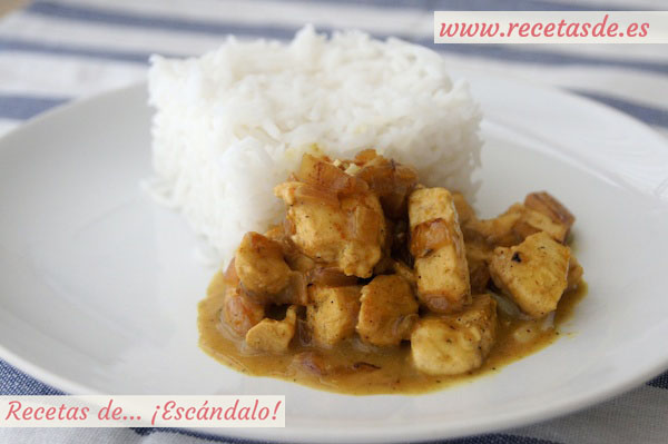 Pollo al curry con arroz fácil