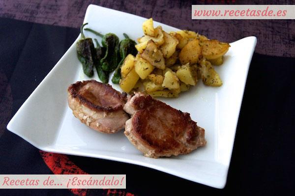 Receta de solomillo de cerdo con patatas al romero y pimientos de Padrón