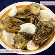 Alcachofas asadas al horno con cebolla