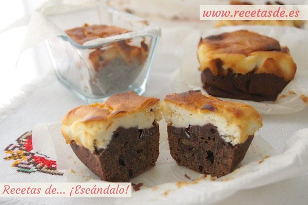 Brownie de chocolate y tarta de queso con nueces