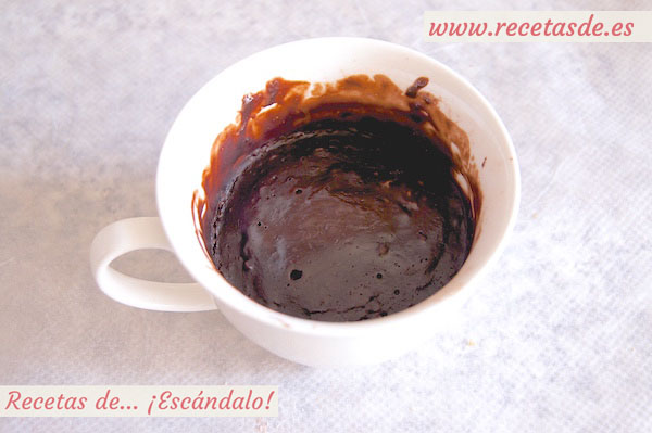 Cómo preparar un mug cake de brownie de chocolate al microondas