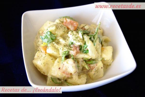 Ensalada alemana de patatas cocidas y salm n ahumado con - Ensalada alemana de patatas ...