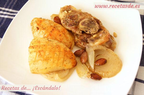 Receta de asado de chuletas de cordero al horno con patatas y almendras