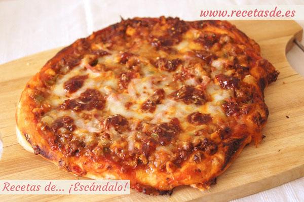 Receta de pizza barbacoa con masa de pizza casera