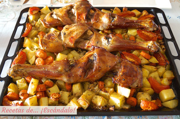 Asado de paletillas de cordero lechal al horno con patatas