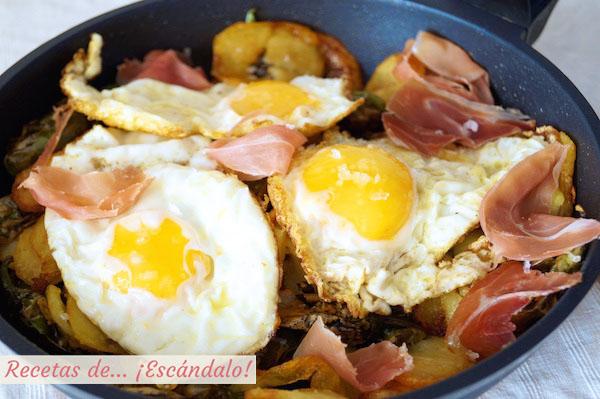 Como hacer huevos rotos o huevos estrellados con patatas y jamon