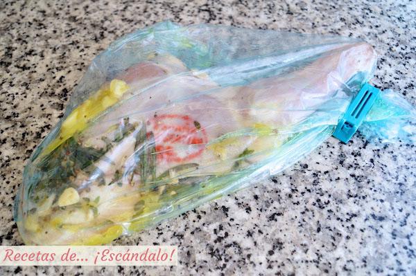 Paletillas de cordero lechal con marinando en hierbas, pimienta y limon