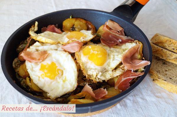 Receta de huevos rotos o huevos estrellados con patatas y jamon