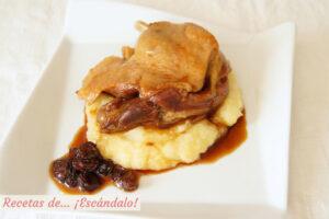 Confit de pato con salsa Pedro Ximenez y pure de patatas y manzanas