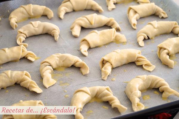 Receta de croissants de hojaldre rellenos de Nutella