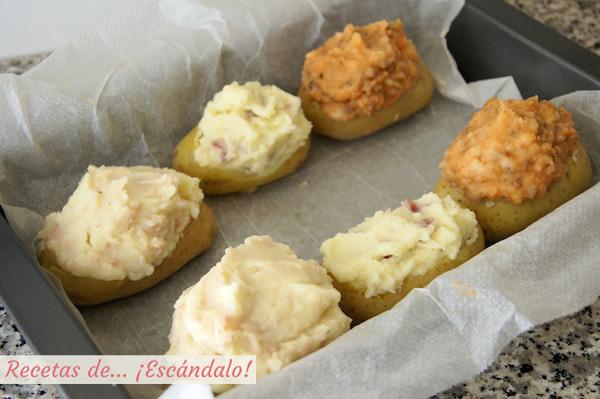 Patatas rellenas listas para hornearse
