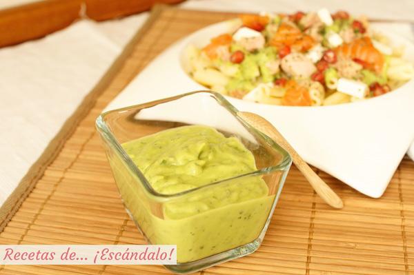 Salsa verde de aguacate casera