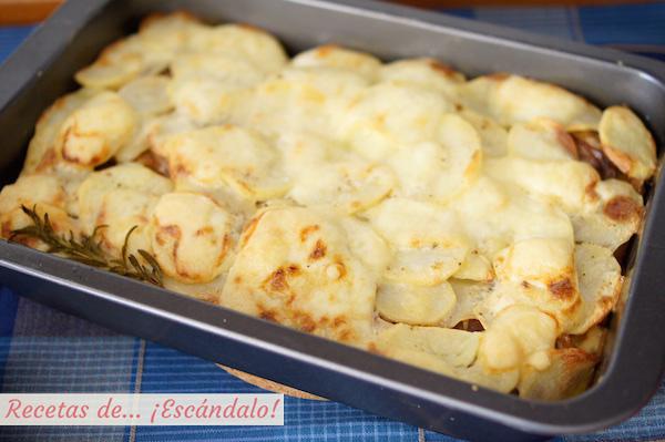 Receta de patatas gratinadas al horno o tartiflette