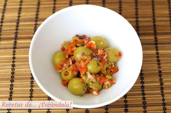 Receta de olivas alinadas con vinagreta de mostaza y pimiento rojo