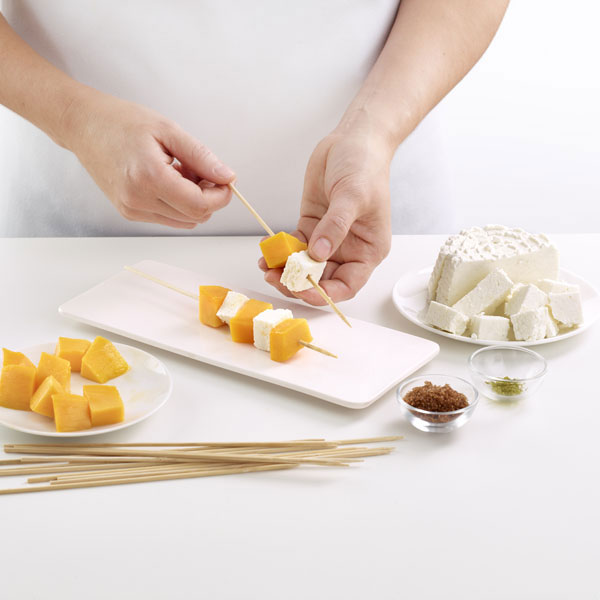 0220100-kit-cheese-maker-queso-casero-microondas-utensilios-libro-lekue-4