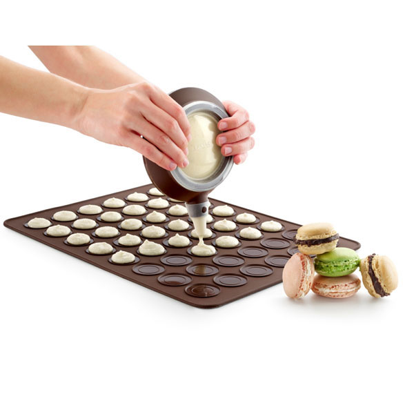 3000001SURM017-kit-elaborar-24-macarons-tapete-silicona-decomax-lekue