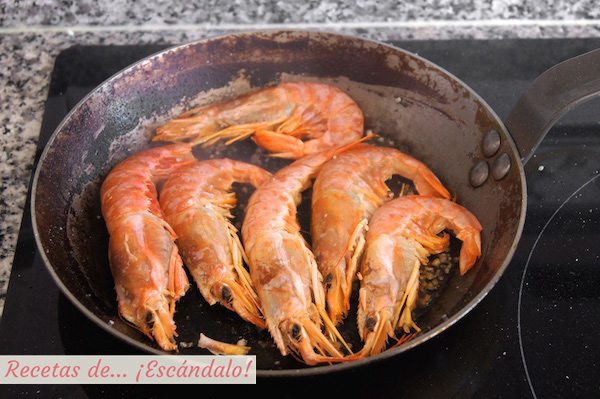 Como preparar langostinos o gambones a la plancha con limon y sal