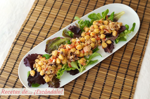 Receta de ensalada de garbanzos y atun con vinagreta de mostaza y pimiento