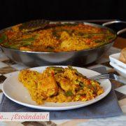 Arroz con pollo o paella de pollo, receta tradicional