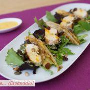 Ensalada de pollo y endivias con salsa de naranja