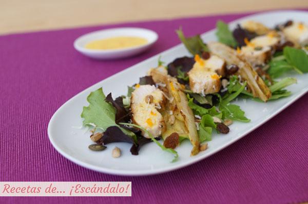 Ensalada templada de pollo y endivias con salsa de naranja