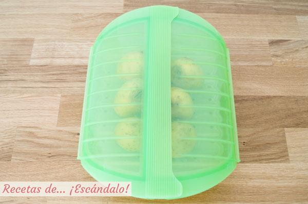 Patatas cocidas al microondas