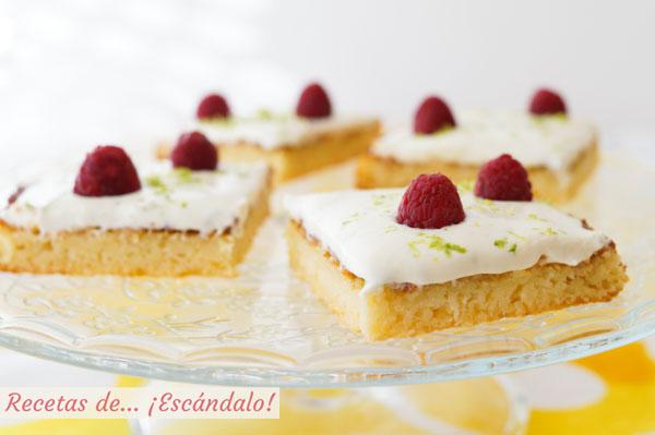 Receta dde bizcochitos de limon jugosos con crema de queso mascarpone y lima
