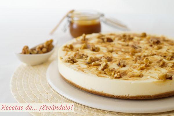 Receta de tarta de queso con caramelo salado y nueces, sin horno