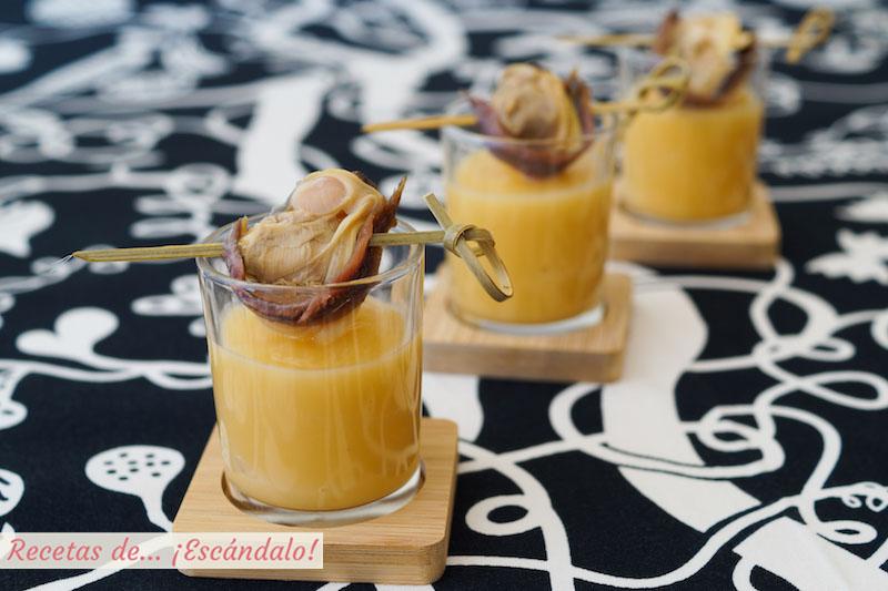Crema de colinabo con brocheta de almejas y anchoas