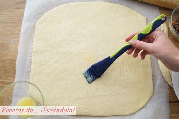 Pintar masa pan de jamon venezolano