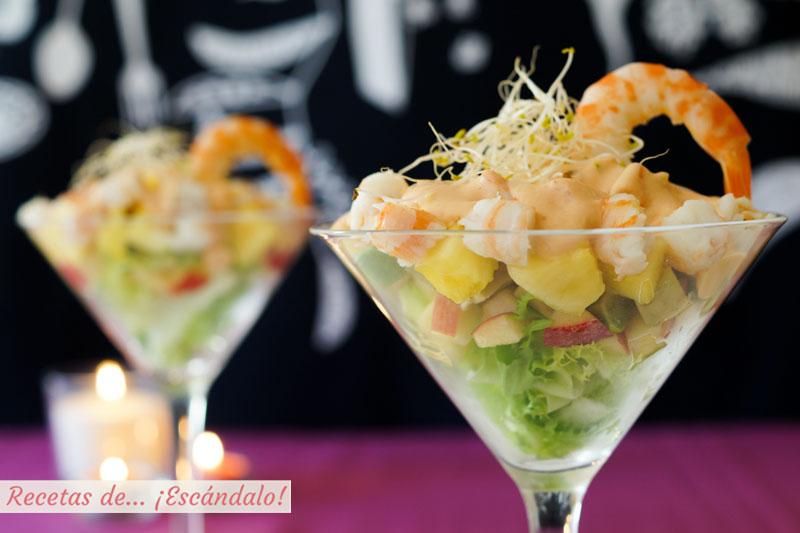 Coctel de marisco tropical con pina y salsa rosa casera. Receta facil para Navidad