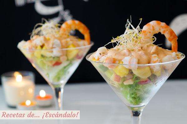 Receta facil para Navidad de coctel de marisco tropical con pina y salsa rosa casera