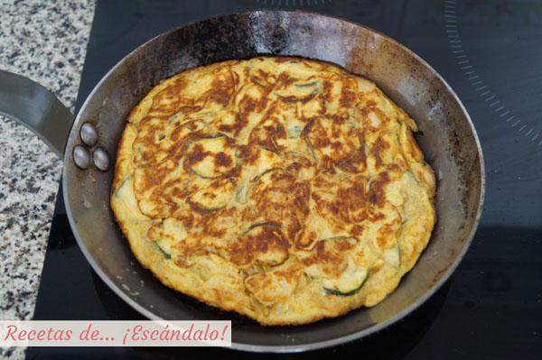 Como hacer tortilla de calabacin y cebolla