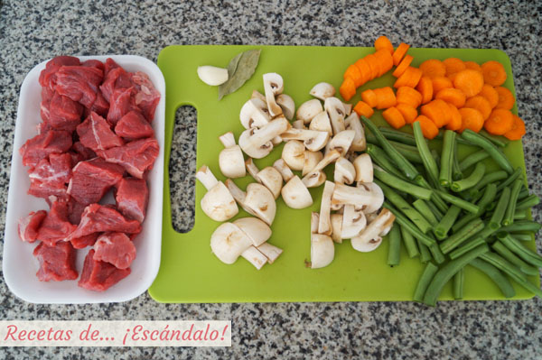 Ingredientes carne guisada con verduras