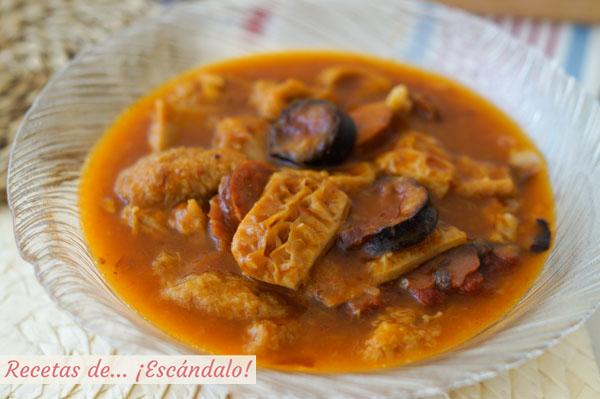 Receta de callos a la madrilena. Plato de cocina tradicional
