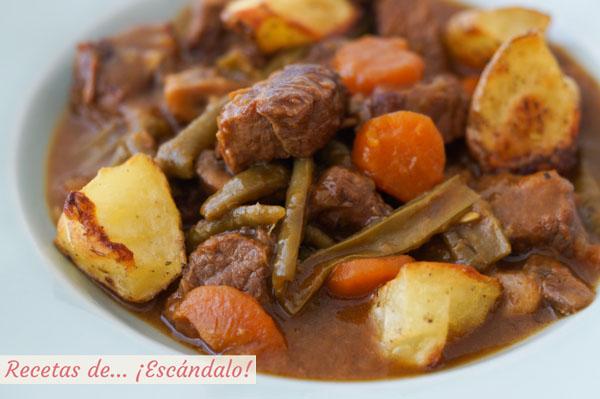 Receta de carne guisada en salsa con patatas y verduras