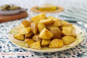 Patatas al horno asadas, la guarnición ideal (o aperitivo)