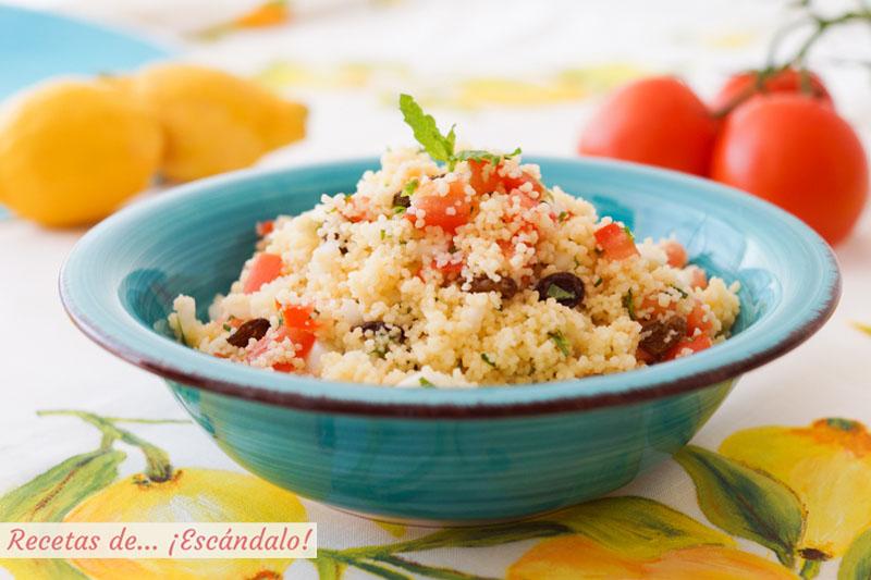 Tabule o Tabbouleh, la ensalada libanesa con cuscus, tomate y hierbabuena