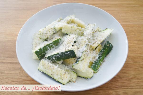Calabacines al horno con queso parmesano