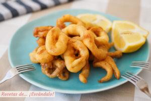 Calamares a la romana o calamares rebozados. Receta de aperitivo