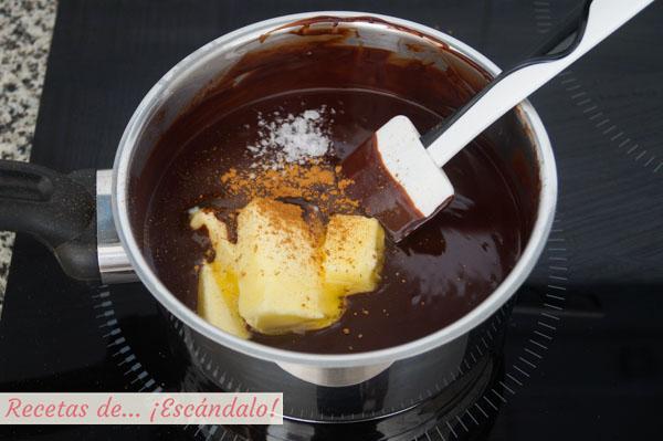 Chocolate con canela y sal