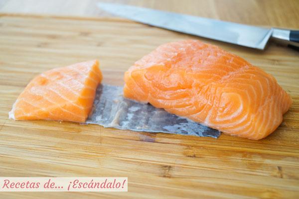 Corte de salmon sashimi