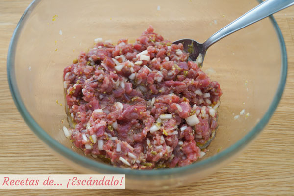 Steak tartare o filete tartaro de carne de ternera