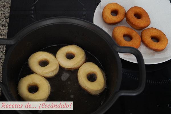 Como freir donuts caseros
