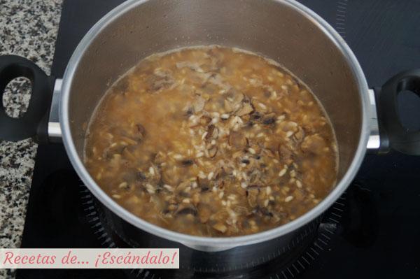 Receta de risotto de champinones, delicioso y sencillo