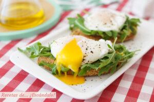 Cómo hacer un huevo escalfado o huevo poché perfecto. Conoce los trucos
