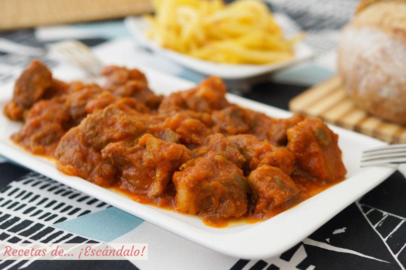 Magro con tomate. Receta de tapa o aperitivo tradicional